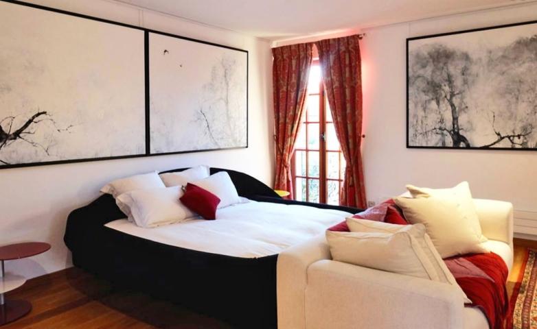 Suite Yosa-Besharat Gallery