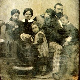 Jean-François Millet et sa famille vers 1853 Daguerreotype de Felix Feuardent Musée d'Orsay Paris